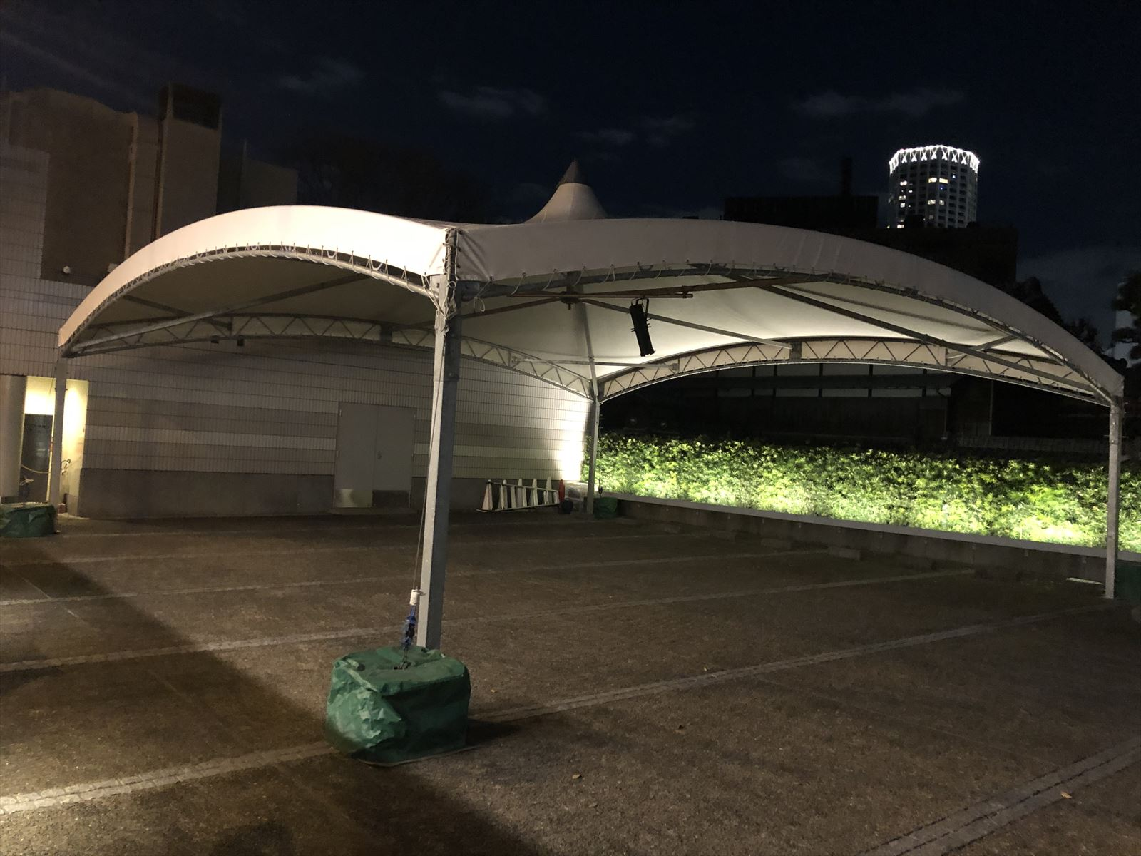 10m×10m テント 設置風景